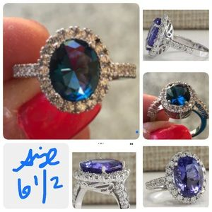 Gorgeous Silver And Sapphire Ring